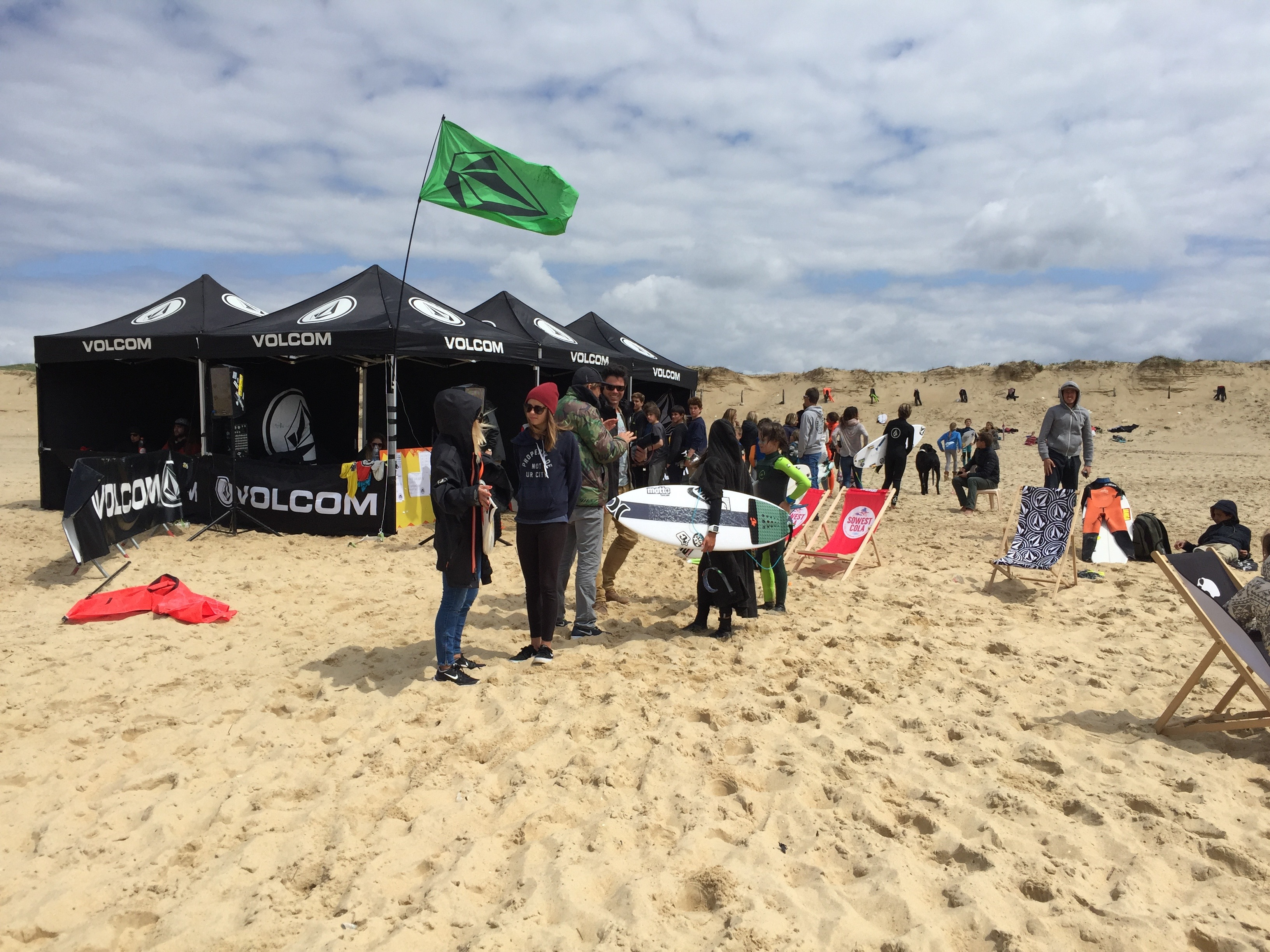 http www volcom eu news the mulletfish surf series in hossegor france ends volcoms totally crustaceous tour european leg in fine form